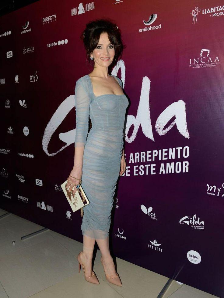 El look de Natalia Oreiro en la première de la película de Gilda | Fashion TV