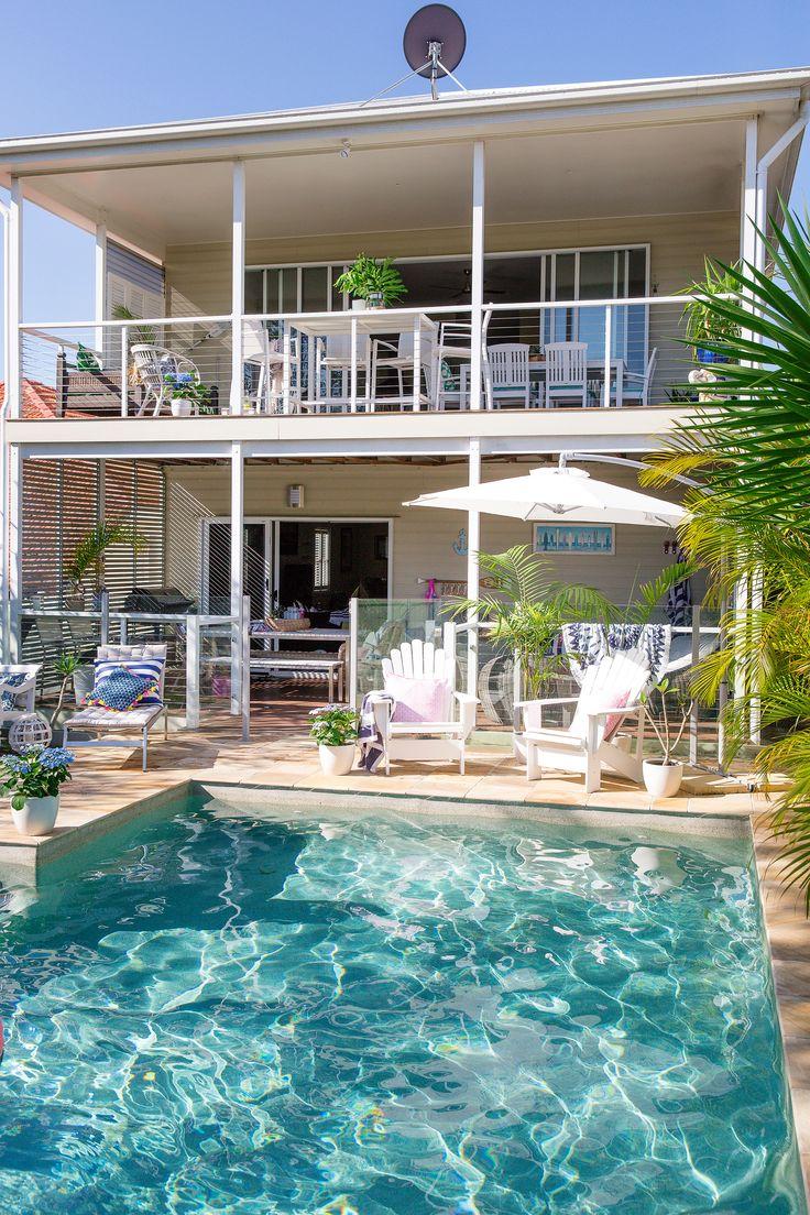 New build replica Queenslander in Brisbane with coastal style. Photography: Elouise Van Riet-Gray | Story: homes+