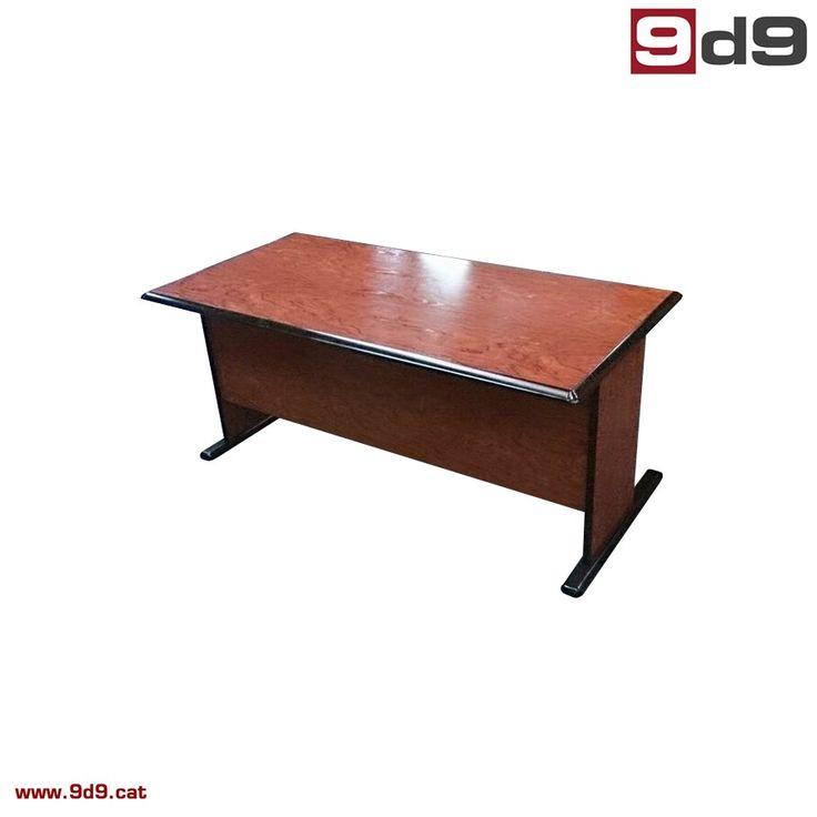 Mesa Dirección 500136  Mesa de dirección de segunda mano, fabricada en tablero laminado acabado etimoe negro, con faldón.  Medidas: 165 x 85 cm. PVP: 75€