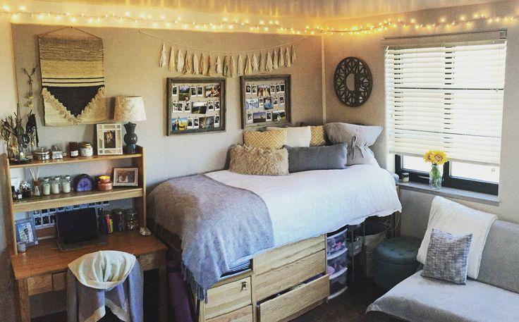 Large Double Oregon University Dorm Rooms