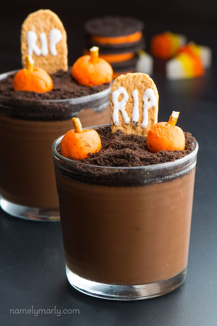 Make these Vegan Halloween Pudding Cups for your halloween goblins! This recipe is made in a matter of minutes and is a dairy-free way to enjoy the holiday!