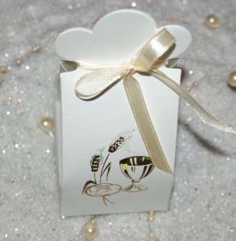 Contenant à dragées pochette calice pour communion http://www.drageeparadise.fr/contenant-a-dragees-vide_37_contenant-dragee-carton-communion_ballotin-communion-pochette-blanche__36_1.html