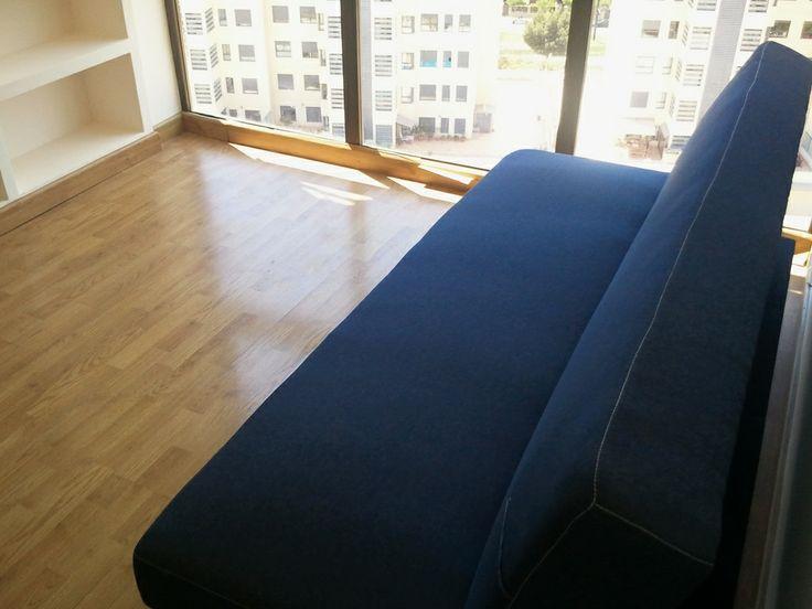 Раскладывающийся диван в соседней с Салоном комнате