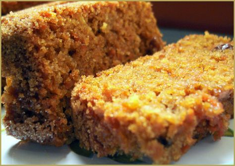 biorestaurant.com.ar Este budín de zanahorias con harina integral es un desafío interesante para aquellos que aseguran que con harina inte...