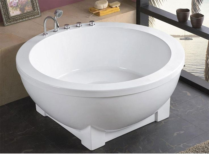 Best 25 small bathtub ideas on pinterest toilet shower for Big and tall walk in tubs