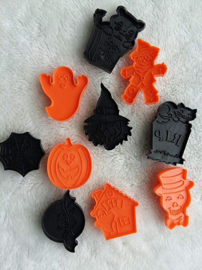 VINTAGE HAllOWEEN Wilton Halloween Cookie Cutters 10 Bewitching