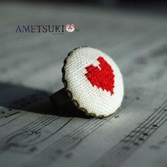 Bague coeur rouge vif brodée