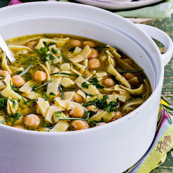 This Egg Noodle and Chickpea Soup is delicious!   #healthysoup #chickpeasoup