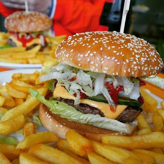 #cheeseburger #bochum #bermudadreieck #burgermanns