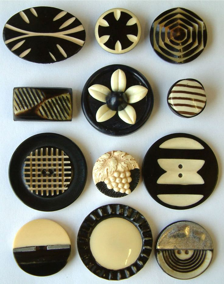12 Vintage Art Deco Black & Ivory Coloured Celluloid Buttons