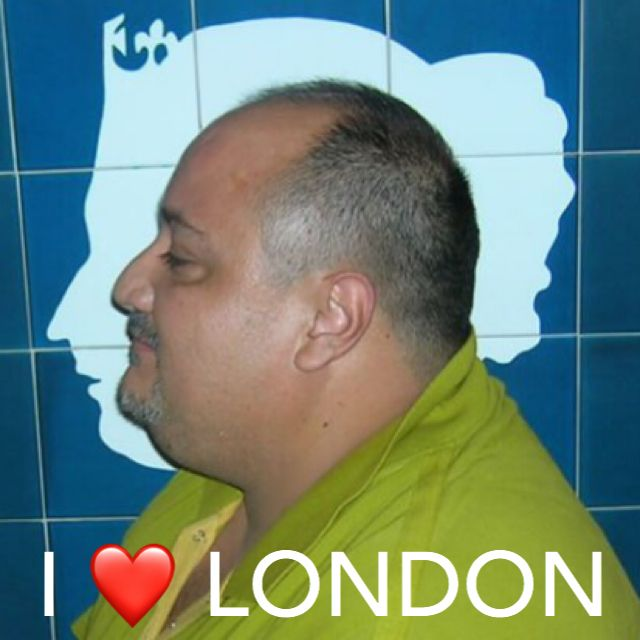 By the way I ❤ LONDON ... #iamalondoner #jesuislondon #ilovelondon #peace and #LOVE and #understanding   Pic 2009 London con @enriquemarcogarcia y @macacervini