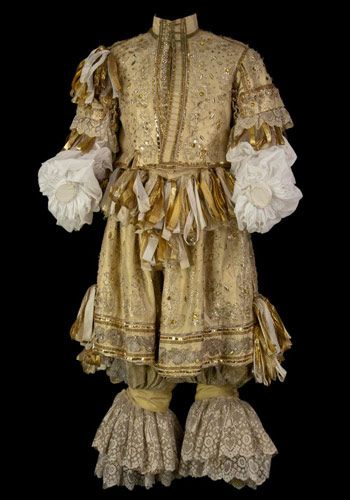 Doublet and petticoat-breeches, mid 17th Century (?)