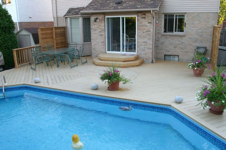 This onground pool deck was built in Burlington in 1997 using the very first Weatherbest decking. Hickory Dickory Decks brought this composite to Canada and sold it until it was sold to Fiberon.