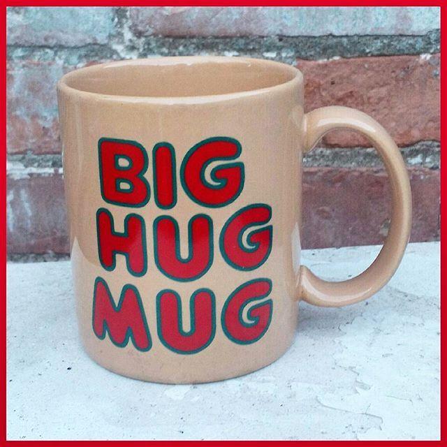 Found another #bighugmug #twinpeaks #truedetective #mug #coffeemug #vintagefinds #niagarafleamarket #stcatharines #rolypolyrecords#ourhomestc