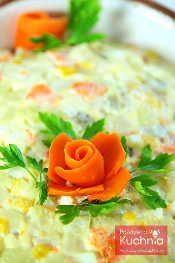 Róża z marchewki - instrukcja krok po kroku  http://pozytywnakuchnia.pl/roza-z-marchewki/  #marchewka #howto