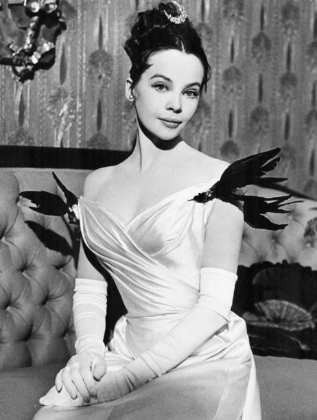 Leslie Caron fue descubierta por Gene Kelly mientras bailaba con un ballet. El afamado bailarín la escogió para ser su pareja en el clásico 'Un americano en París' (1951)