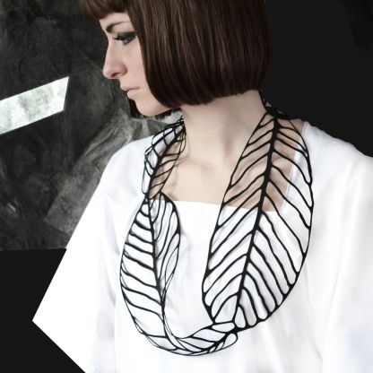 Laser cut rubber leaf necklace; Jelka Quintelier
