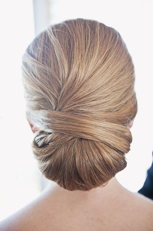 The Best Real Bride Hairstyles of 2015: Best chignon - classic, smooth and sleek low chignon {Sarah Murray Photography}