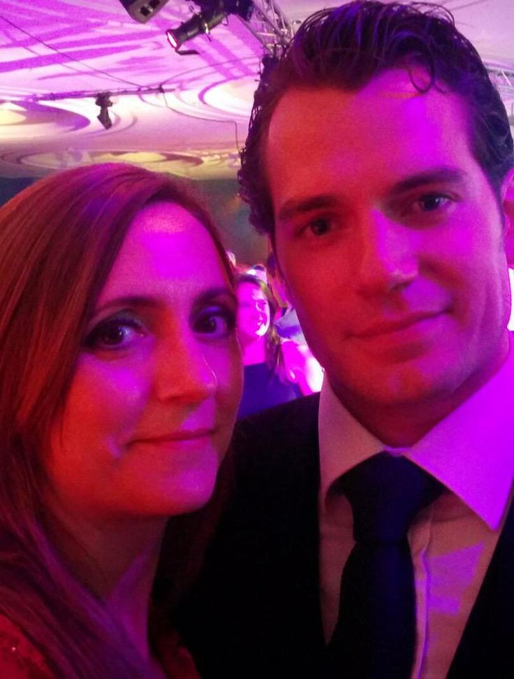 MT @CarolyneCoupel #HenryCavill if winning Fundraising Charity o/y Alzheimer's Research UK wasn't enough.what a night