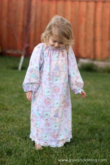 1 Hour Nightgown Pattern. Who else has a hard time finding pretty little nightgowns without characters all over them? Now you can make your own with a yard of fabric!