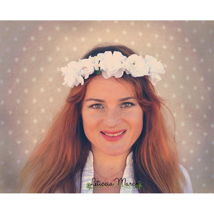 Corona de flores blancas para novia o comunión niña www.leticciamarco.com