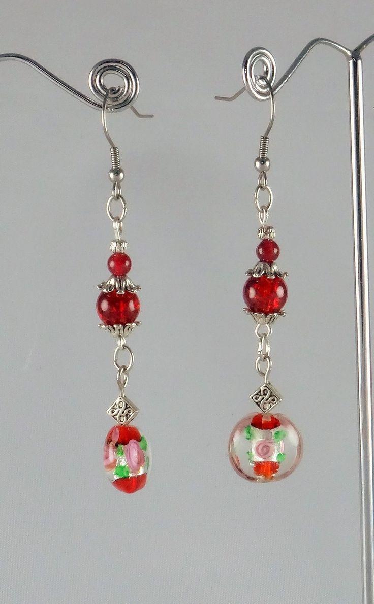 Boucles d'oreille rouges en Murano, verre craquelé et jade : Boucles d'oreille par jade-et-cristal-de-marie
