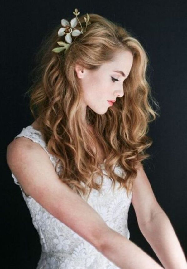5 Romantic Curly Hairstyles For Wedding Hair 2019