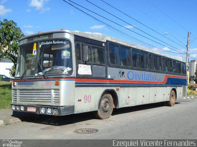Ônibus da empresa Oivilato Turismo, carro 90, carroceria Nielson Diplomata 2.50, chassi Mercedes-Benz O-364. Foto na cidade de Jacareí-SP por Ezequiel Vicente Fernandes, publicada em 07/07/2017 20:24:30.