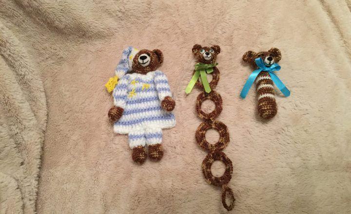 Giocattoli per i neonati all'uncinetto in cotone