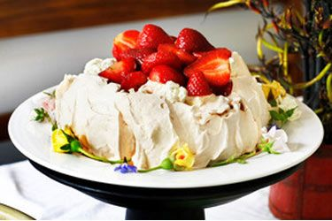 Top tips for a foolproof pav (+recipe) – Ask Peter Gordon – Bite