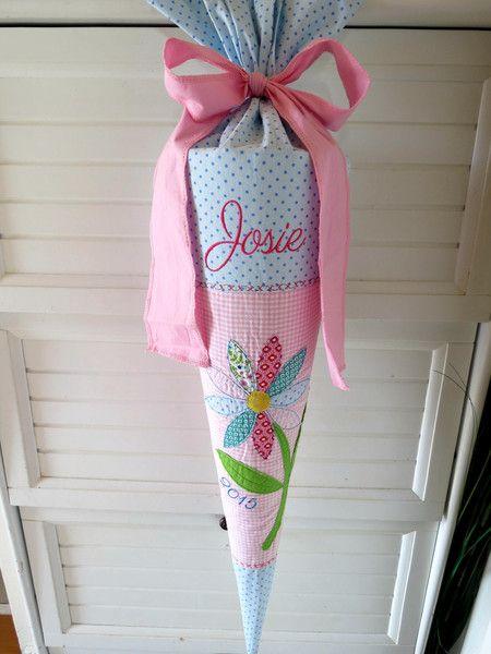 Schultüte Zuckertüte große Blume bunt aus Stoff  von der kleine Schatz auf DaWanda.com