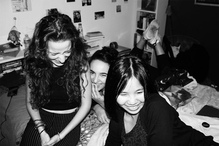 Clémentine et Suzie #fête #party #anniversaire #birthday #paris #france #photography #blackandwhite #blackandwhitephotography