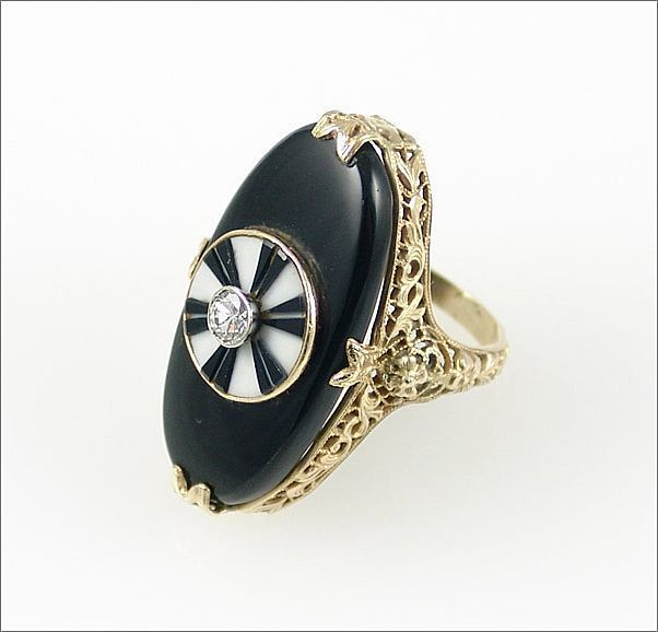 Art Deco Dart Board Design in Onyx & Agate Complete with a Diamond Bull's Eye and 14K Yellow Gold Filigree Ring, ca. 1930's.