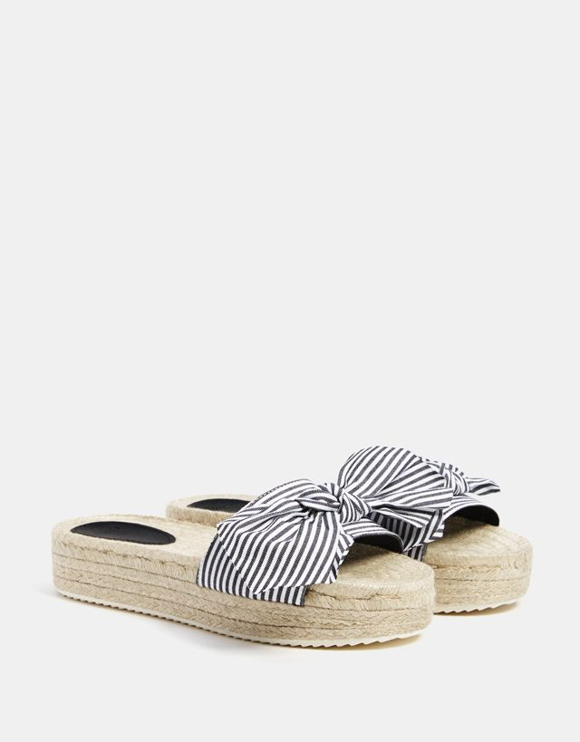 4e74bdad7 Striped slides with jute platforms | Bershka in 2018 | Shoes, Summer ...