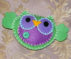 Green Owl Made for mobileNeat Owls, Art Crafts, Green Owls, Favorite Things, Crafty Things, Buttons Sewn, Favorite Art, Cositas Linda, Kidlett Stuff