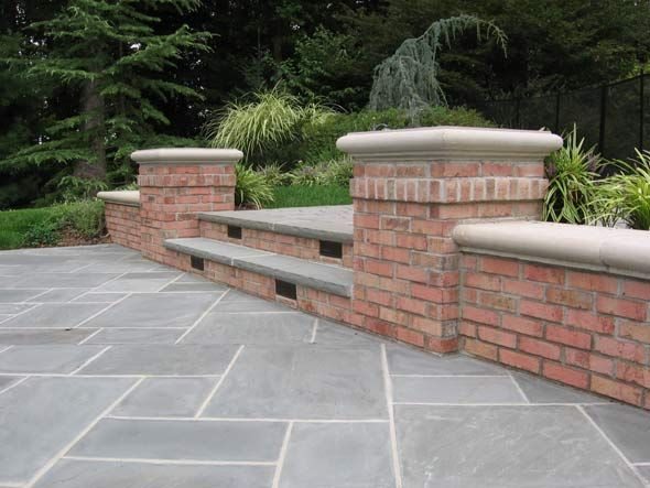 Perfect Bluestone Brick Patio Design