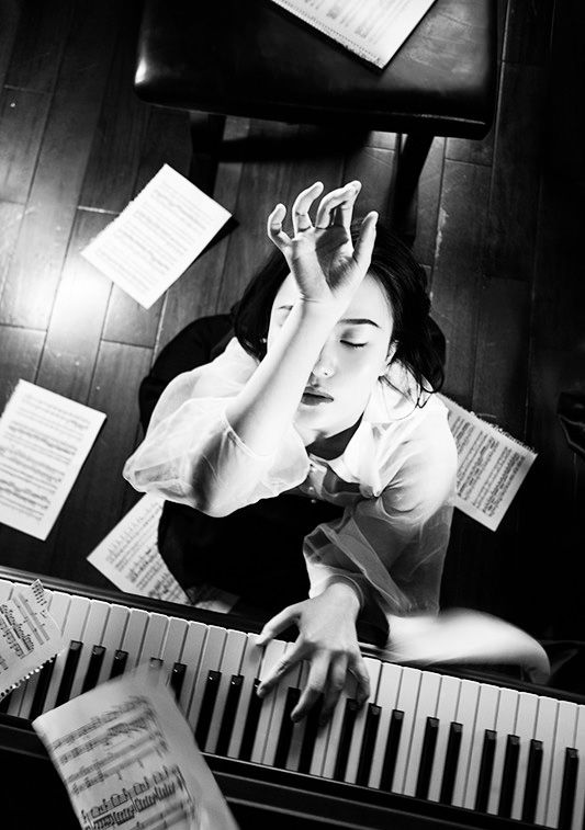 Piano by Lin Lian...photography of music