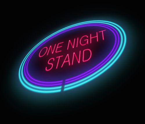 Είσαι λάτρης του one night stand; Ξέρεις ποιο μέλος της οικογένειας σου ευθύνεται; - http://ipop.gr/themata/eimai/ise-latris-tou-one-night-stand-xeris-pio-melos-tis-ikogenias-sou-efthynete/