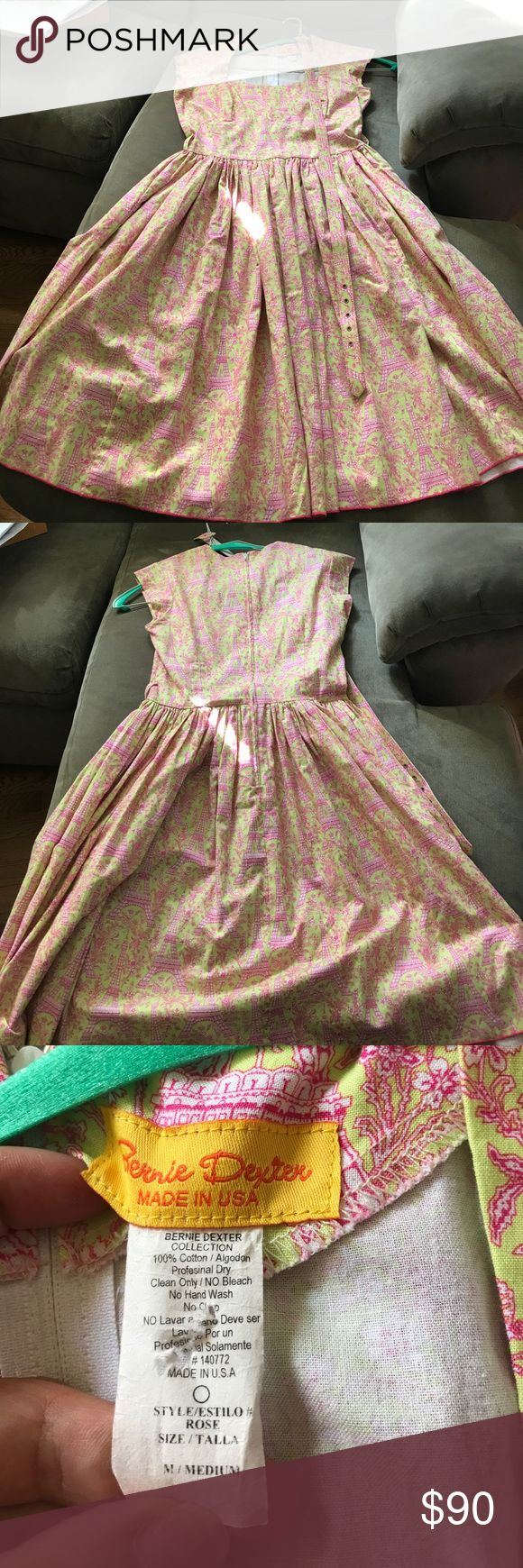 """Medium Bernie Dexter Rose dress in Eiffel Tower This dress comes with a belt.  Bust is 17"""" flat and 18"""" pit to pit.  Waist is 14"""" flat.  Pockets! Bernie Dexter Dresses"""