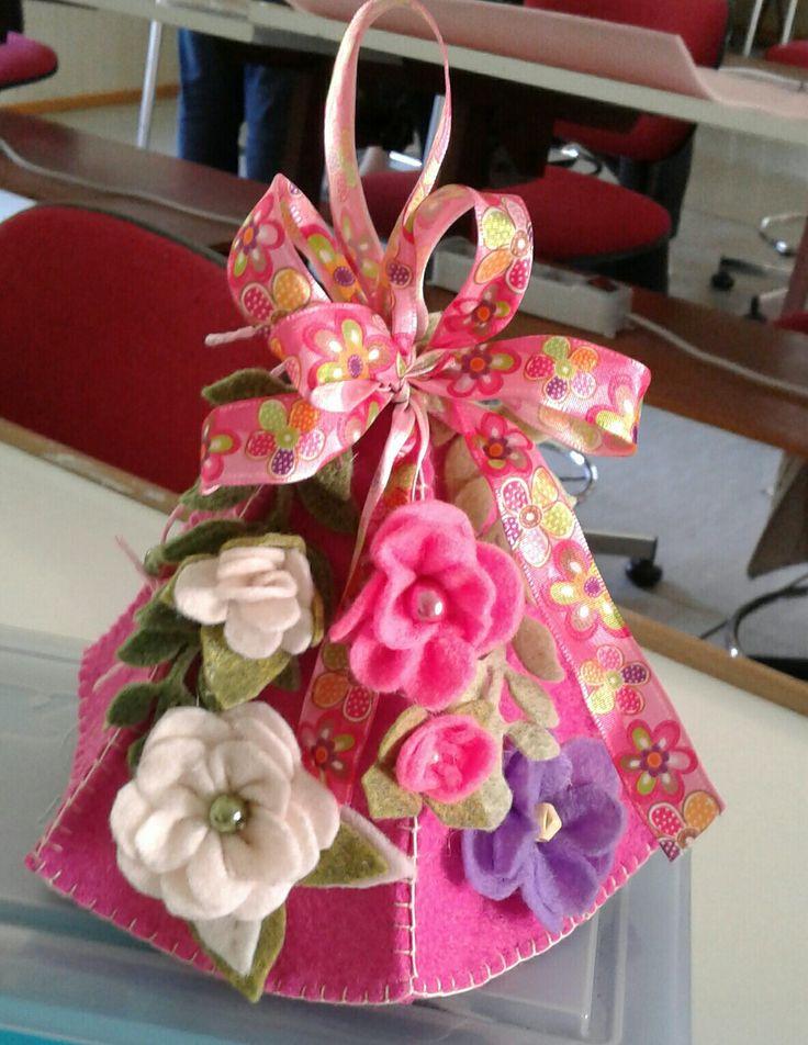 Campana con fiori -di Lauretta