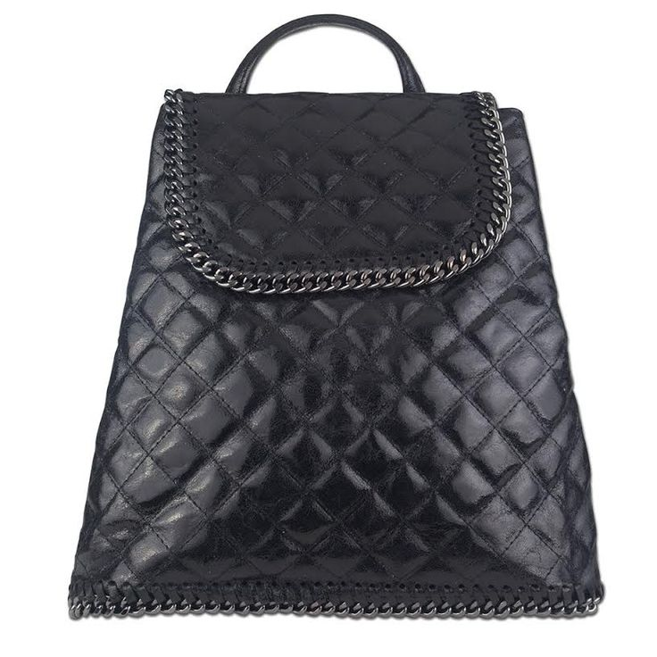 New Style now available! Have a look at our Paige backpack, now in our most popular colour – black! Stylishly quilted and the perfect bag for those with back problems. Dress it up or down to suit your mood!