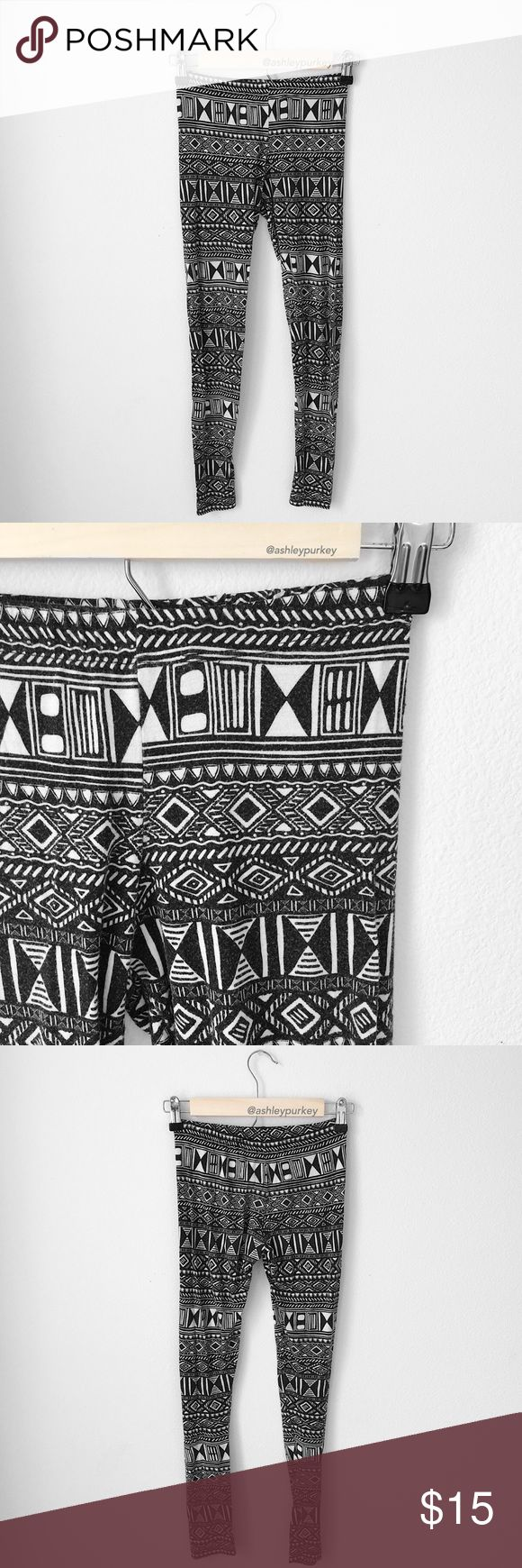 white and black aztec print leggings •size: S  •worn but no flaws  •no trades  ⚠️ if this item does not fit you CANNOT return it - poshmark policy Nollie Pants Leggings