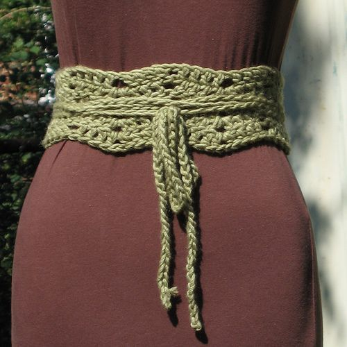 Chain Ripple Belt Closeup by plainsight, via Flickr