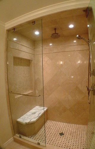 17 best images about remodel master bath on pinterest for Tumbled marble bathroom designs