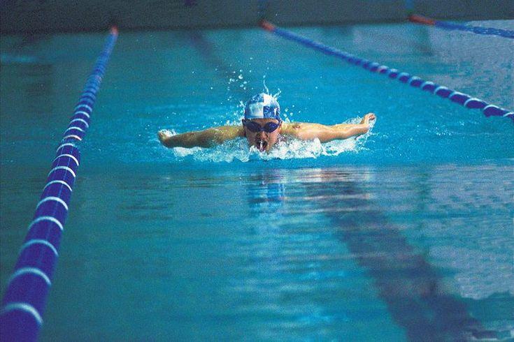 ¿La natación fortalece los cuádriceps?. Los beneficios de la natación en todo el cuerpo son sólo una de las razones por la cual es la segunda actividad deportiva más popular en Estados Unidos, después de caminar, de acuerdo con Centers for Disease Control and Prevention. Desde niños pequeños hasta ...