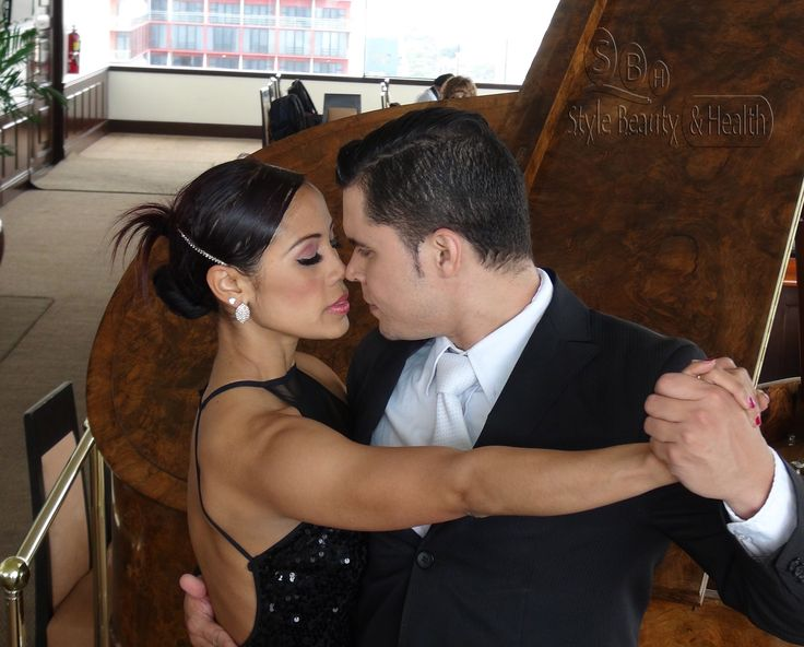 La compañía intrnacional A Puro Tango realizó una presentación exclusiva en el Hotel Estelar de Miraflores.
