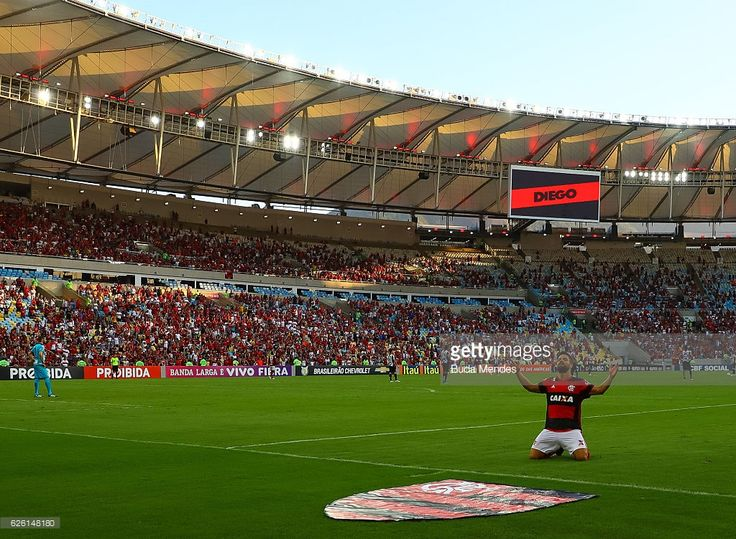 Diego of Flamengo celebrates a scored goal against Santos during a match between Flamengo and Santos as part of Brasileirao Series A 2016 at Maracana stadium on November 27, 2016 in Rio de Janeiro, Brazil.