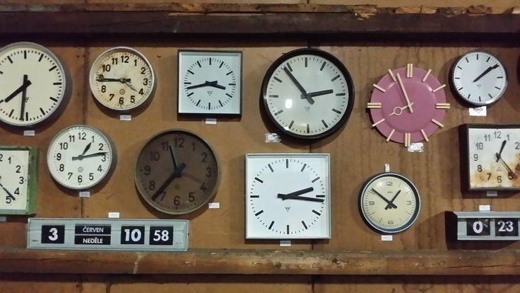 Industrial clocks