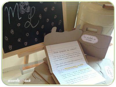 Invitacoines de boda con temática colegial. Cartera de cole antigua, hoja de rayas de libreta. #boda #invitaciones #ideas