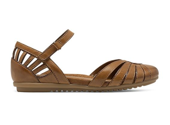 A seasonal staple, the women's Rockport Cobb Hill Irene closed-toe sandal  is classic and comfortable for everyday wear.